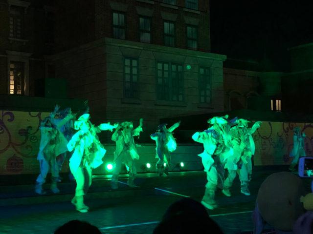 ユニバのゾンビがダンスしてる!